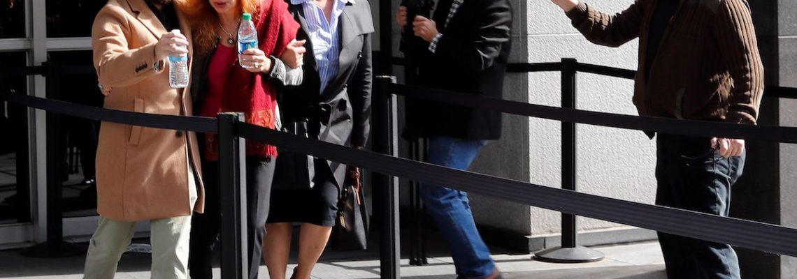 Alejandro Toledo llega a la audiencia que decidirá si queda libre bajo fianza
