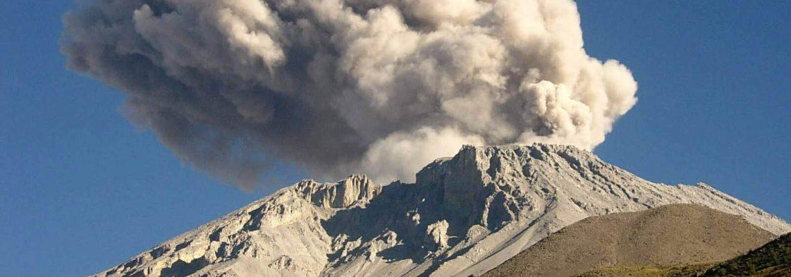 Explosiones del volcán Ubinas dejan más de 1.300 afectados en Perú