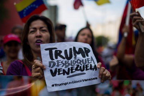 """Chavismo agita redes sociales con protesta """"No más Trump"""" por bloqueo de EE.UU."""