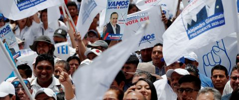 Guatemala medita si elegir a Torres primera presidenta o apoyar a Giammattei