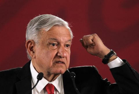 Presidente de México defiende división de poderes en juicio contra Rosario Robles