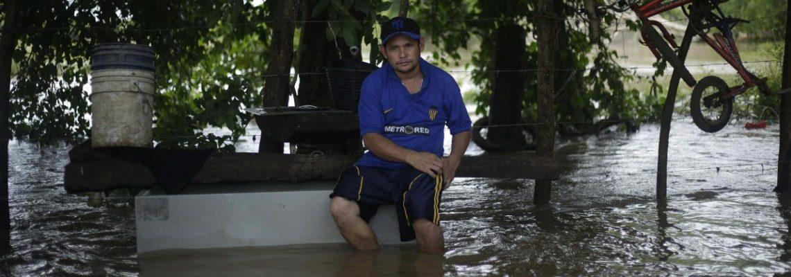 El Salvador decreta alerta preventiva por intensas lluvias