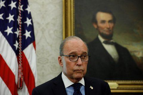 Asesores de Trump defienden la fortaleza económica y niegan efecto de los aranceles