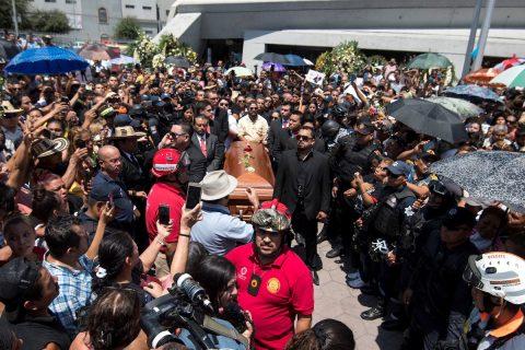 Baile y música marcan el funeral del músico mexicano Celso Piña