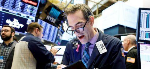 Wall Street se hunde después de que Trump pida a empresas dejar China