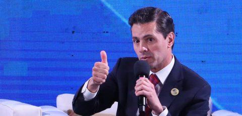 La novia de Peña Nieto desmiente rumores de boda
