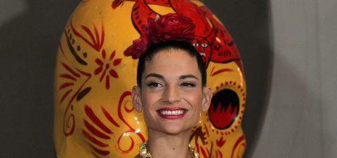 """El mariachi """"atrapa"""" a Natalia Jiménez"""
