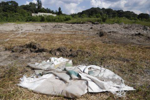 Hallazgo de fosa con 44 cadáveres agudiza crisis forense en oeste de México