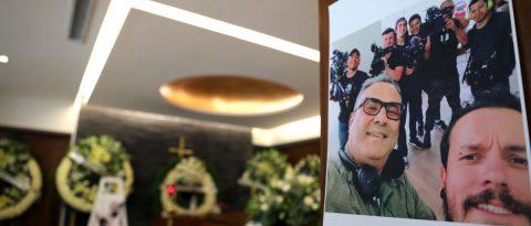 "Exigen justicia en velatorio de colaborador de ""Roma"" asesinado en México"