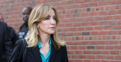 Felicity Huffman, condenada a dos semanas de cárcel por red de sobornos