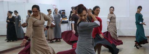 """""""Otra Fuenteovejuna"""", el alegato boliviano contra la violencia hacia la mujer"""