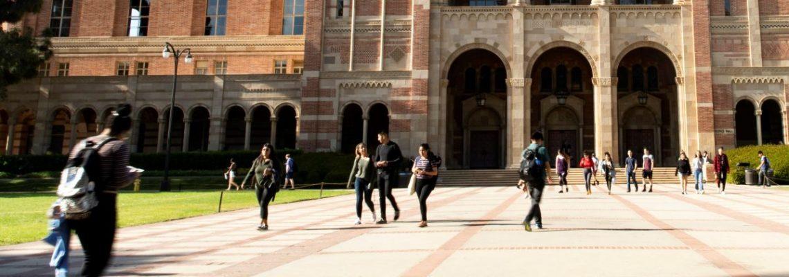 Universidades fallan en inscripción y graduación de latinos, según un estudio