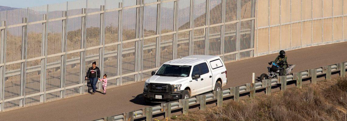 Destacan la aprobación de paquete de leyes a favor de inmigrantes en California