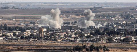 Kurdos se retiran de ciudad fronteriza en cumplimiento de tregua con Turquía