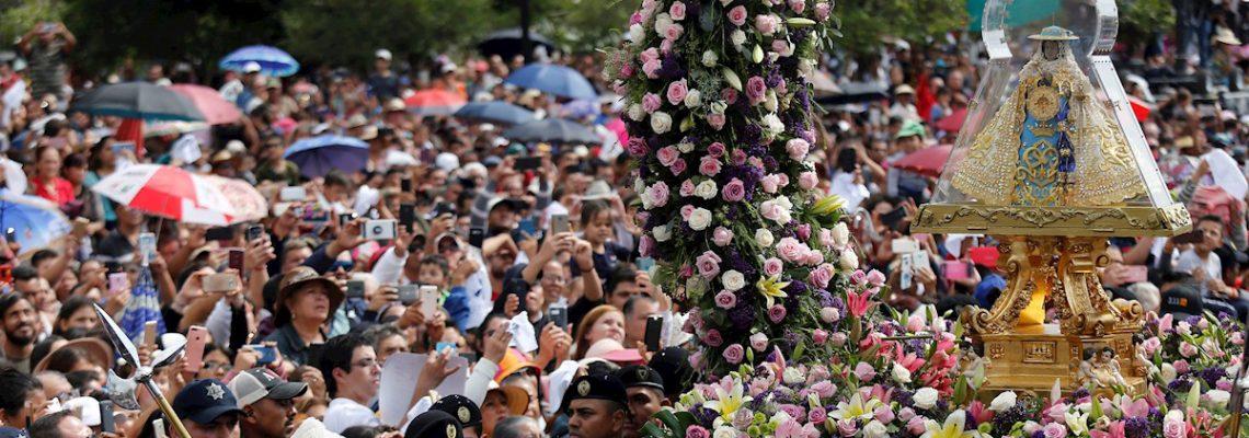 Procesión de la Virgen de Zapopan reúne casi dos millones de fieles en México