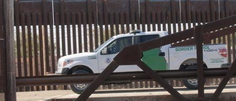 Muere agente fronterizo en Arizona mientras localizaba un grupo de migrantes