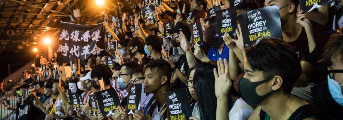 """China tomará """"fuertes represalias"""" por avance en EEUU de ley sobre Hong Kong"""
