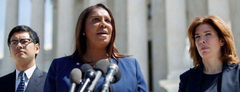 Fiscales presentan argumentos en defensa del DACA ante la Corte Suprema de EE.UU.
