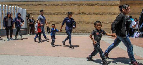 Niños migrantes ven truncada su educación en su travesía a Estados Unidos