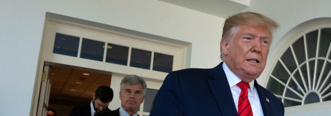 Trump vuelve a vetar una medida del Congreso contra desvío de fondos al muro