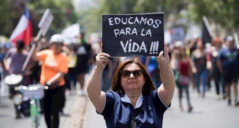 """Marcha en Chile para pedir que la educación deje de ser un """"bien de consumo"""""""