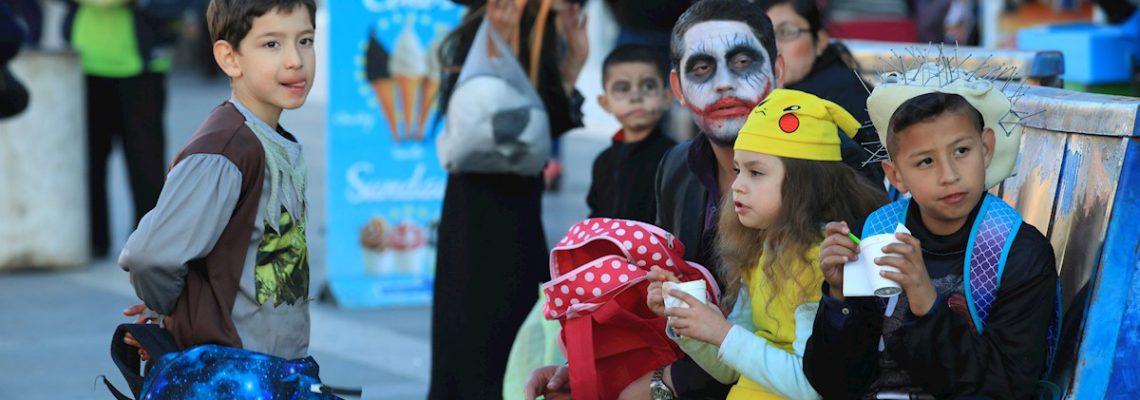 La frontera entre México y EE.UU. se diluye entre caramelos por Halloween