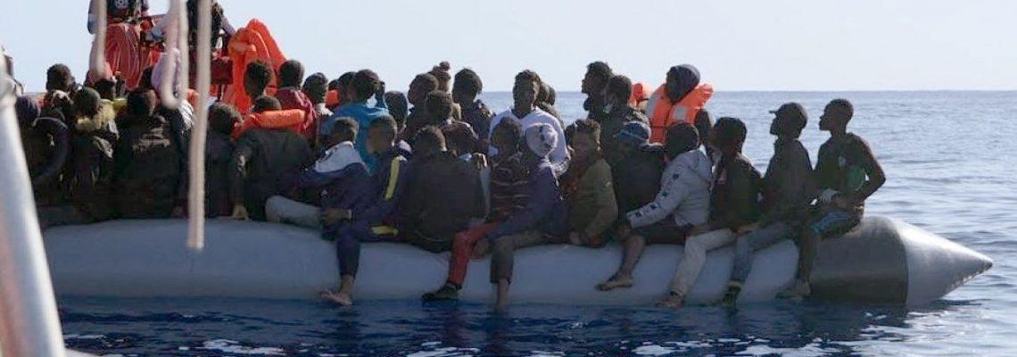 El Ocean Viking ha rescatado a 215 a migrantes en tres días frente a Libia