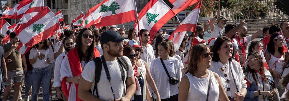 Las mujeres, al frente de las protestas que cumplen un mes en el Líbano
