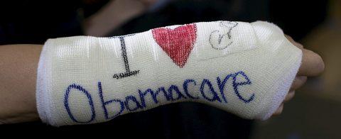California dice ser la prueba de que Obamacare funciona y llega a clase media