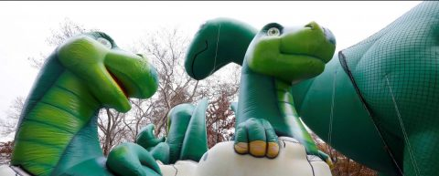 Neoyorquinos pueden disfrutar del desfile de globos de Macy's pese al viento