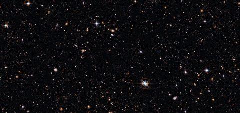Astronautas revisarán un aparato que busca detectar la materia oscura