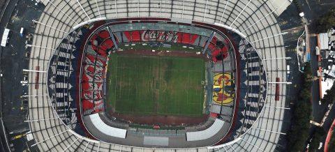 Anthony Muñoz espera que el césped del Azteca esté a la altura de la NFL