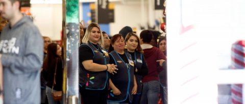 Reabren almacenes de Walmart en El Paso donde murieron 22 personas en tiroteo