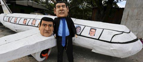 """Las figuras del presidente y su hermano preso en EE.UU. serán """"quemadas"""" en Honduras"""