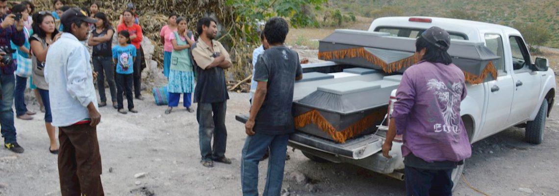 Hallan 10 cuerpos calcinados en un vehículo en el estado mexicano de Guerrero