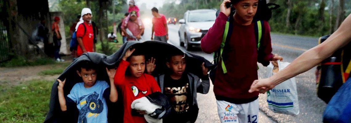 La caravana de hondureños es obligada a retornar a la frontera por orden de Guatemala y EE.UU.