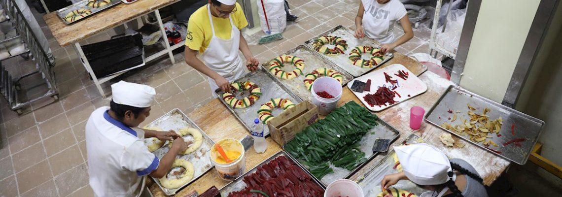 La receta tradicional de rosca de reyes mexicana lucha contra la industria