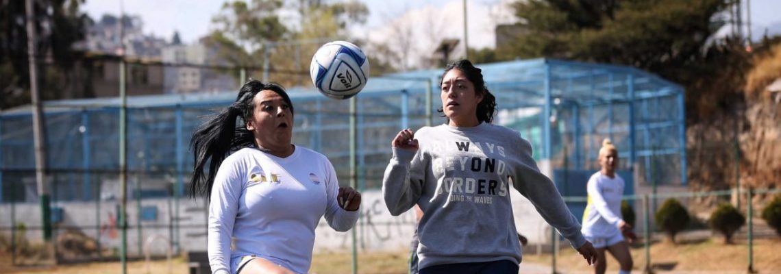 Mujeres trans y policías se enfrentan en torneo de fútbol en México