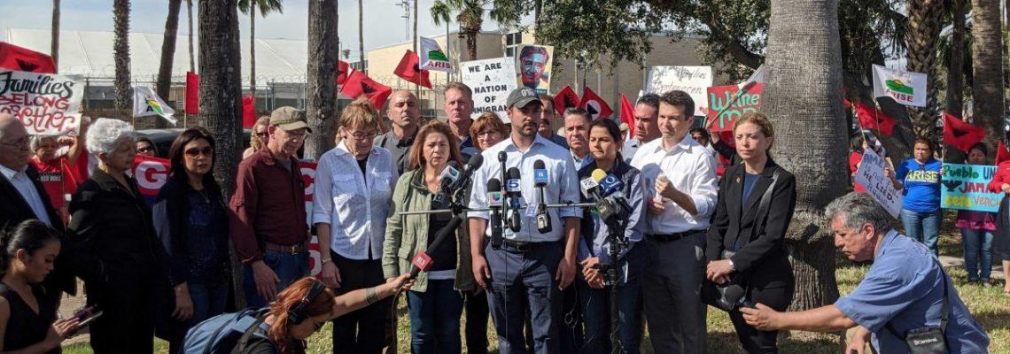 """Legisladores hispanos prometen poner fin a las """"políticas inhumanas"""" de Trump"""