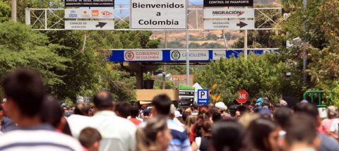 Más de 200.000 personas cruzaron la frontera colombo-venezolana en tres días