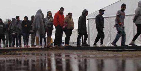 Un juez suspende la normartiva de Trump que permite rechazar refugiados