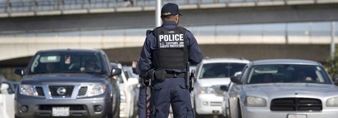Agente migratorio latino mata a su familia y se suicida en Florida