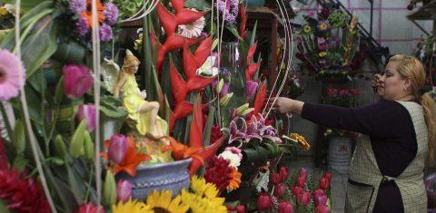 Agencia aduanal de EEUU alerta sobre arreglos florales procedentes de México