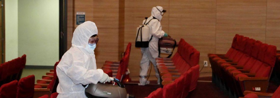 Corea del Sur suma 893 casos de coronavirus y planea cuarentena estricta