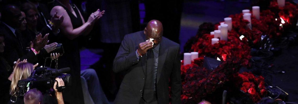 Miles de personas despiden a Kobe Bryant y a su hija Gianna en un emotivo tributo