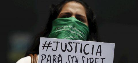 Acusan de homicidio a los autores de la desaparición de una activista feminista peruana