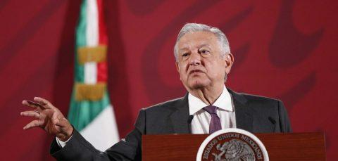 López Obrador avisa que Ejército y Marina manejarán hospitales en emergencia
