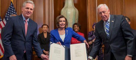 El Congreso de EE.UU. aprueba el mayor estímulo de la historia ante el coronavirus