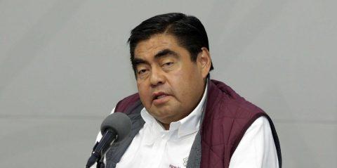 """Gobernador mexicano: """"Si son ricos tienen riesgo, los pobres somos inmunes"""""""