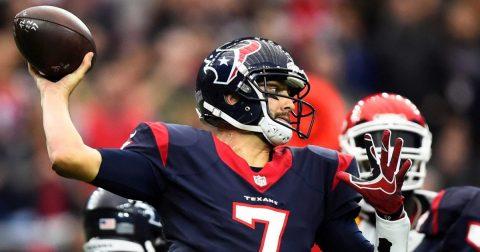 Patriots contratan al mariscal de campo Hoyer, que ocupará la vacante de Brady